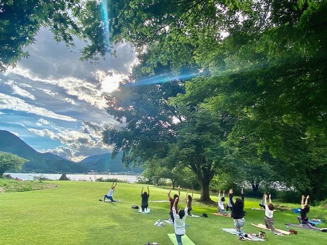 【河口湖外ヨガ】  河口湖の新鮮な空気を感じながら外ヨガ体験!_Nipa Yoga~富士山の麓でヨガ~