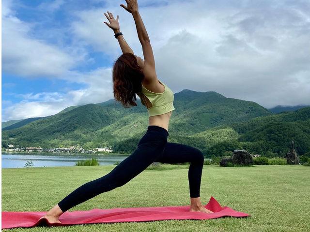 【外ヨガ】 河口湖湖畔で外ヨガ_Nipa Yoga~富士山の麓でヨガ~