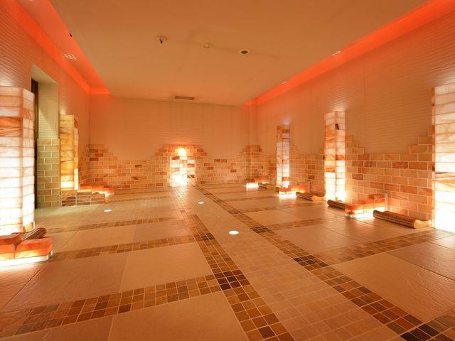 岩盤浴・岩塩の部屋_北投の湯 いわき健康センター