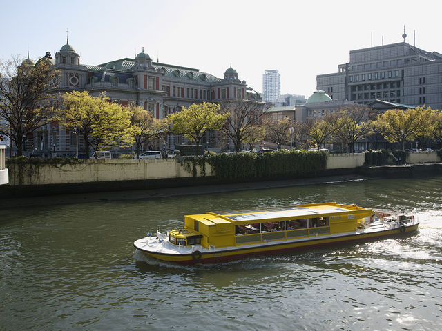 中之島にあるレトロで美しい大阪市中央公会堂_落語家と行く なにわ探検クルーズ 川の環状線コース