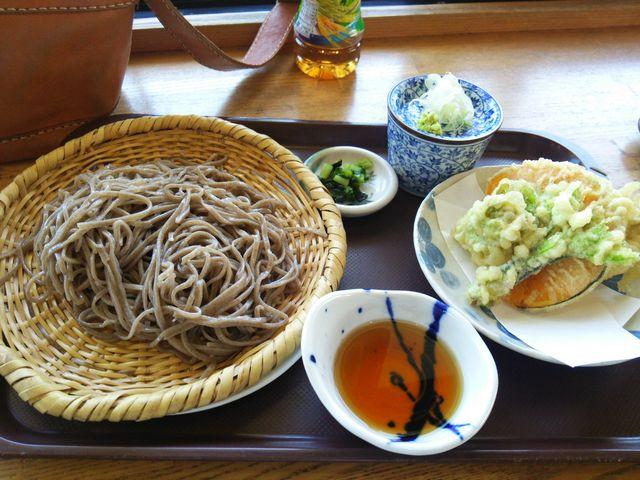 20食限定の須賀川そばと山菜のてんぷら_道の駅 北信州やまのうち