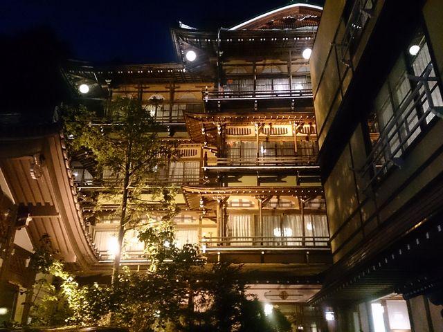 金具屋ライトアップ_渋温泉