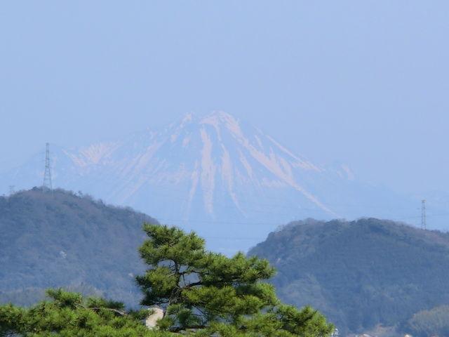松江城から見える 大山_松江城