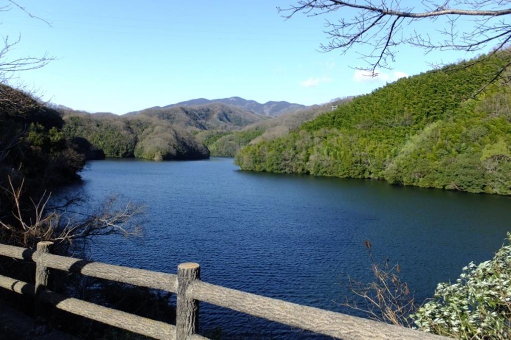 石手川ダム湖