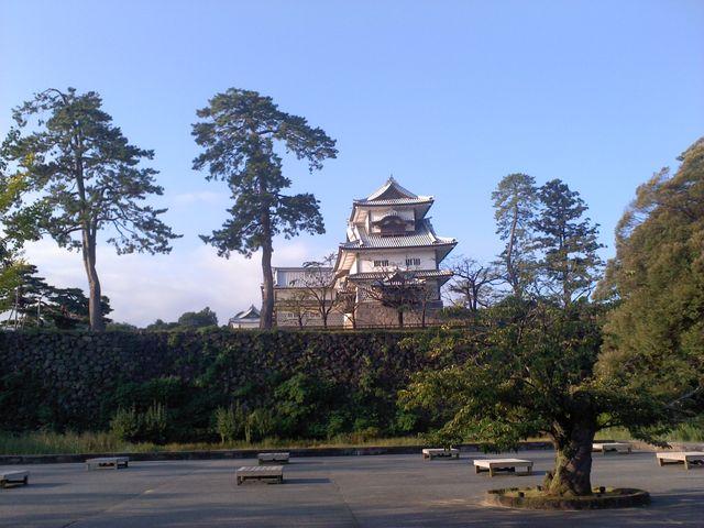 大手門から上がって行きました。_金沢城石川門