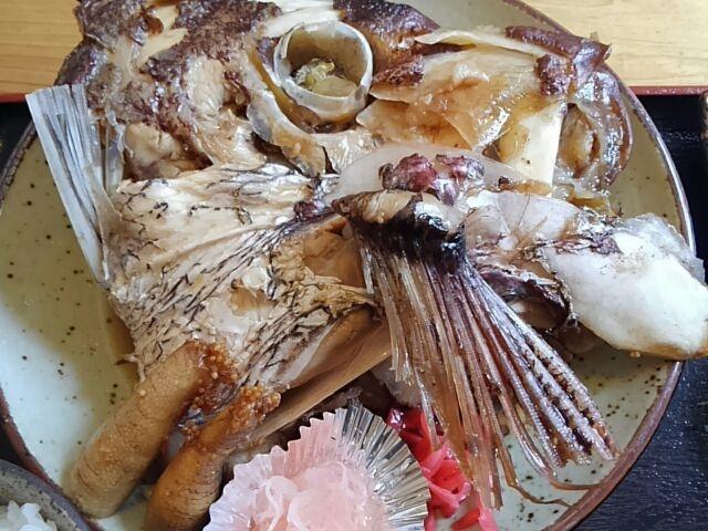 ③_浦富海岸島めぐり遊覧船のりば食堂