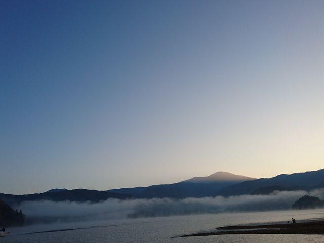 朝靄の桧原湖_桧原湖