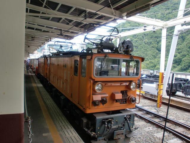 黒部峡谷鉄道です。宇奈月駅から欅平駅に向けて出発進行!! _宇奈月温泉