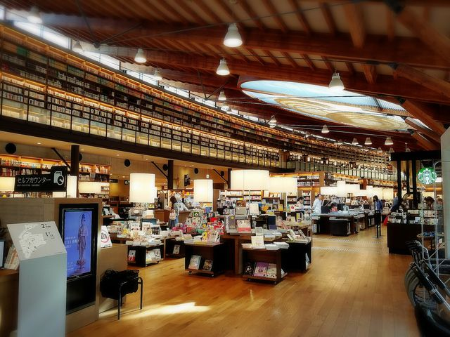 素敵な型破りの空間です!!!_武雄市図書館・歴史資料館
