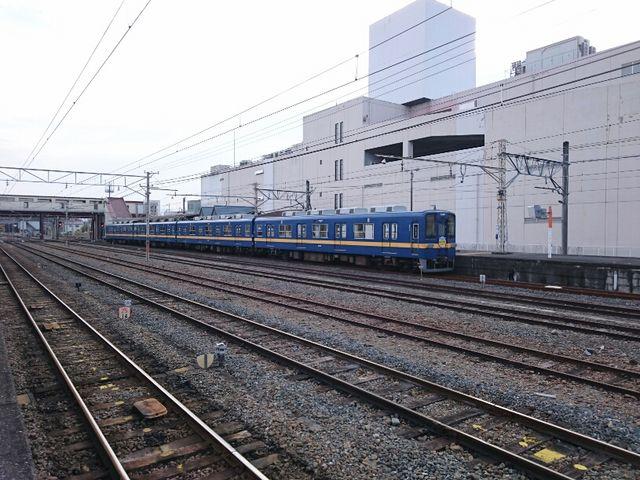 秩父鉄道ホームから東武東上線ホームを撮影