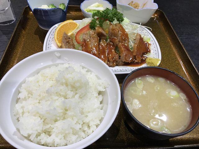 焼肉定食(ポークソテー)_食堂ニューミサ