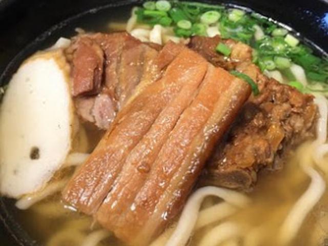 セルフサービス_もとぶ熟成麺 ウミカジテラス店