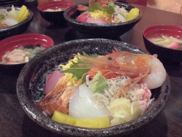 『生簀の甲羅』の特上海鮮丼_敦賀赤レンガ倉庫