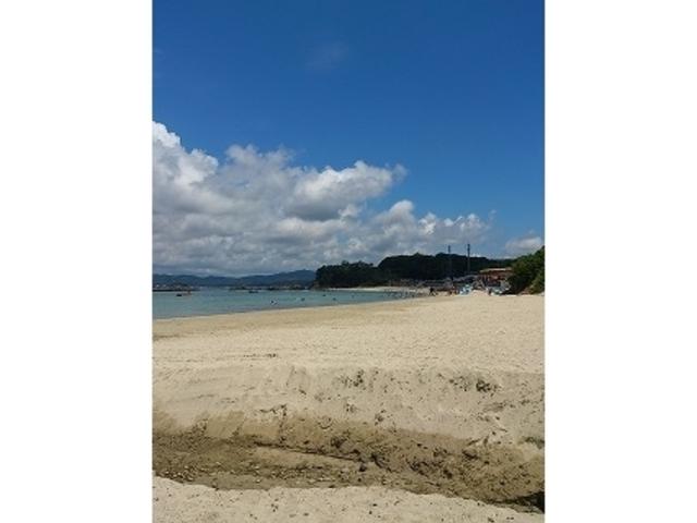 きれいな砂浜です_御座白浜海水浴場