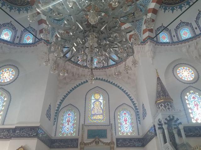 モスク内部_東京ジャーミィ・トルコ文化センター