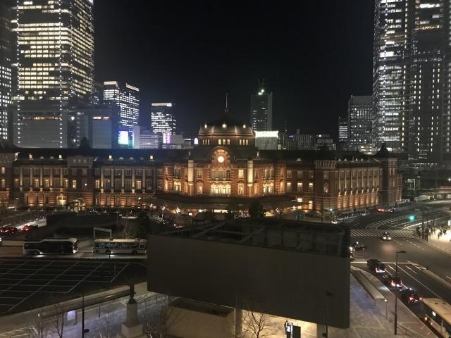 丸ビルからの眺め_クアアイナ KUA `AINA 丸ビル店