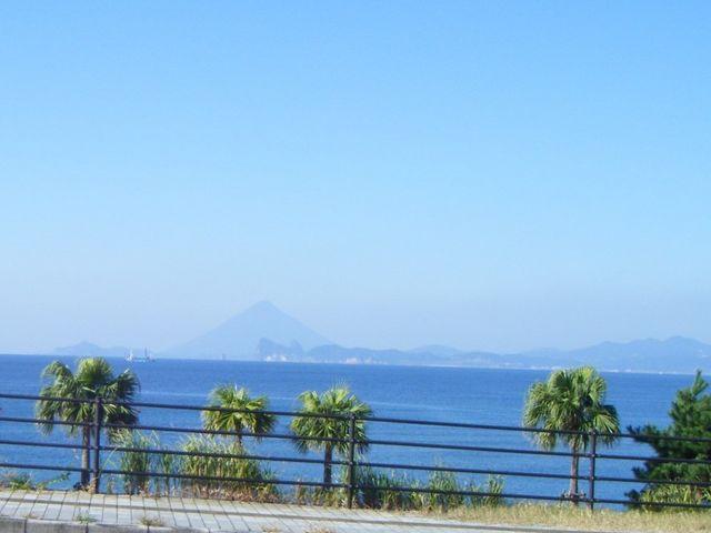 薩摩富士ともいわれる開聞岳_大浜海浜公園