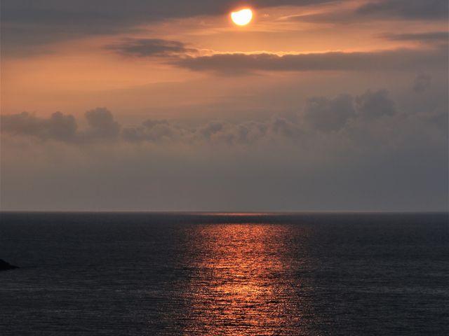 かろうじて太陽が顔を出してくれた_由良海岸